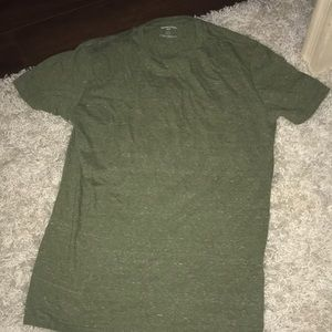 End t-shirt green colored size medium
